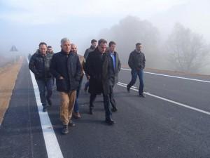 Ολοκληρώθηκε το έργο βελτίωσης-διαπλάτυνσης της οδού Κοζάνης-Σερβίων- Παραδόθηκε το τμήμα της Ε.Ο. Κοζάνης-Λάρισας από διασταύρωση με δημοτική οδό Κρανιδίων έως διασταύρωση με δημοτική οδό προς Αυλές-Ρύμνιο