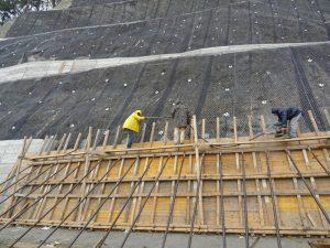Ολοκληρώνονται οι εργασίες αποκατάστασης της μεγάλης κατολίσθησης στο δρόμο Βελβεντού - Καταφύγι