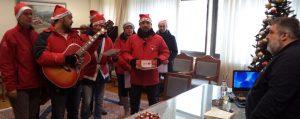 Τα Χριστουγεννιάτικα Κάλαντα έψαλαν στον Αντιπεριφερειάρχη Π.Ε. Κοζάνης Παναγιώτη Πλακεντά, την Παρασκευή 22 Δεκεμβρίου, σύλλογοι, φορείς και εργαζόμενοι