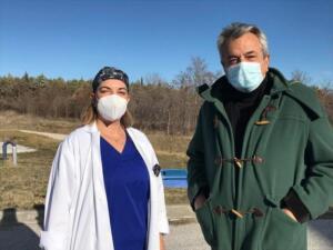 Σκέπαστρο εξωτερικού κλιμακοστασίου Νεφρολογικής Κλινικής Μποδοσάκειου από την Π.Ε. Κοζάνης